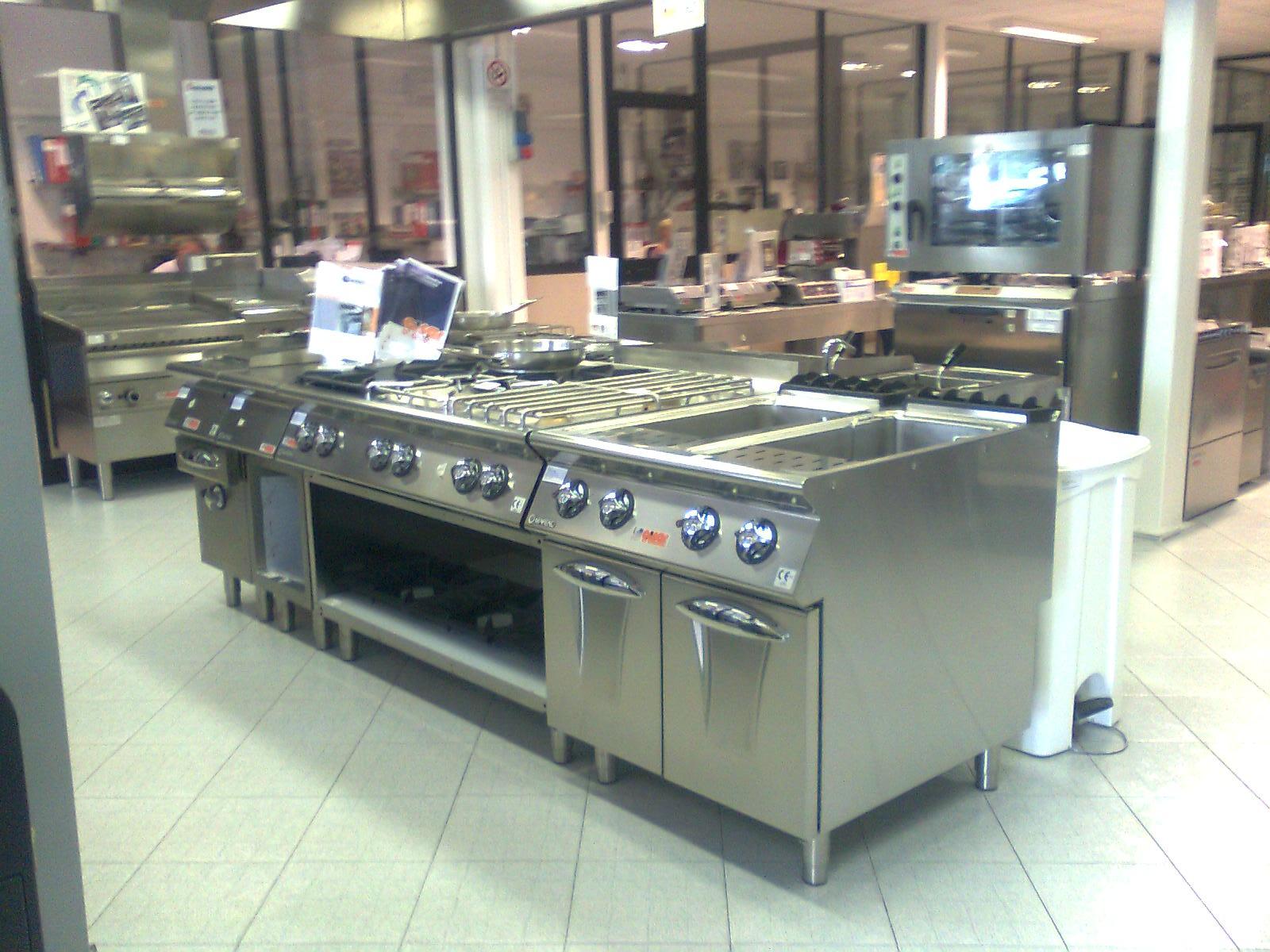Attrezzature per la ristorazione nuove ed usate scegli il for Cucine usate gratis milano