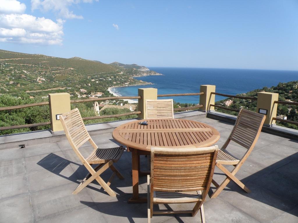 Alla ricerca di appartamenti in vendita all 39 isola d 39 elba for Cabine dell isola di buggs