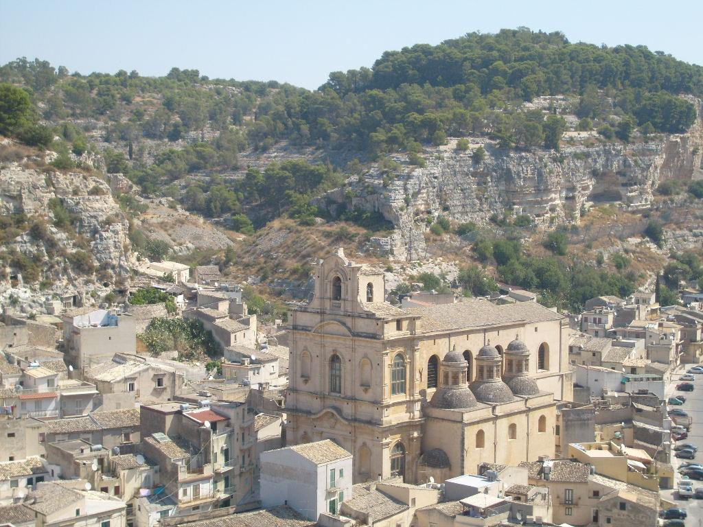 Scicli citt barocca il fascino della sicilia per le tue for Case in stile costiero