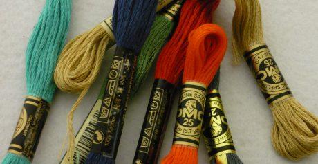 Riscopri l'arte del ricamo con le matassine DMC multicolore