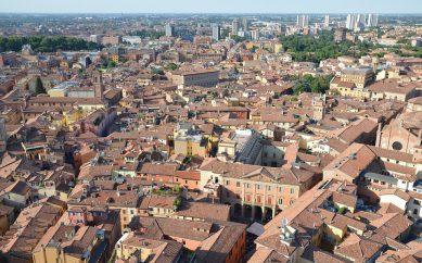 """Bologna """"ombelico di tutto"""""""