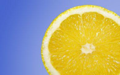 Acqua e limone ogni giorno per il tuo benessere