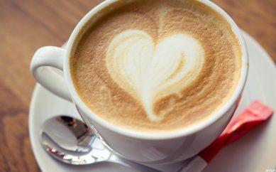 Come creare il cappuccino perfetto: guida alla preparazione!
