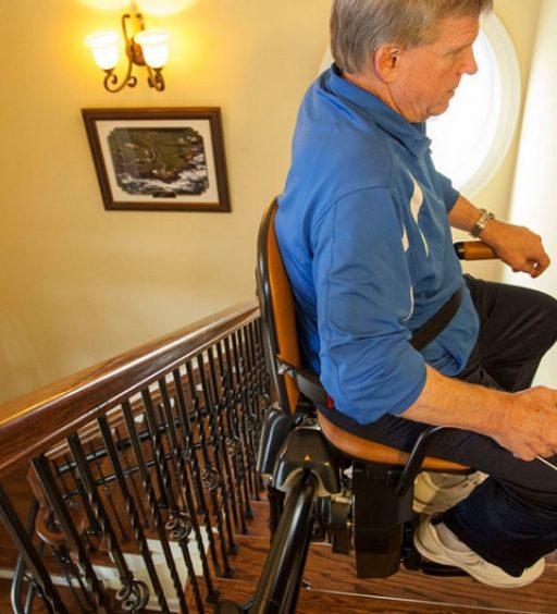 Coi servoscale a Verbania, 5 vantaggi per gli anziani
